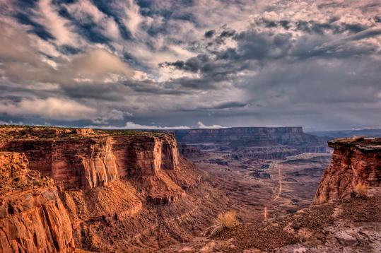 cnp_dsc3332_3_4_5_6_canyonlands-np-schafer-trail-overlook-morning-blush.jpg