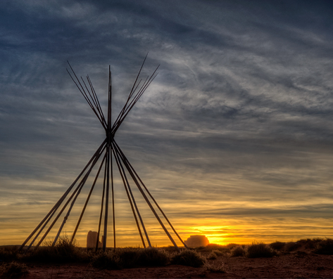 mv_dsc5936_37_38_39_40_monument-valley-am-teepee-sunrise-crop.jpg