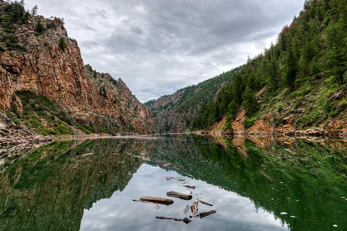 DSC_8715_2013-08-25-Black-Canyon-Gunnison-Rvr-boat-grad